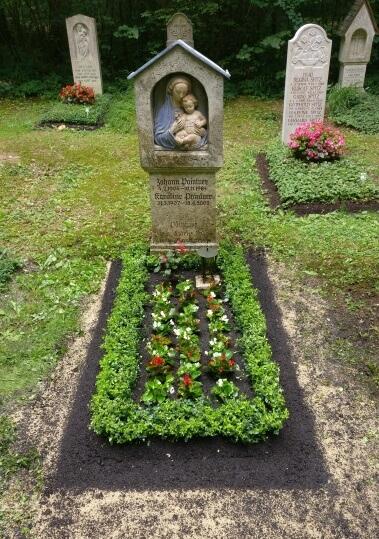 Friedhofsgärtnerei Grabpflege